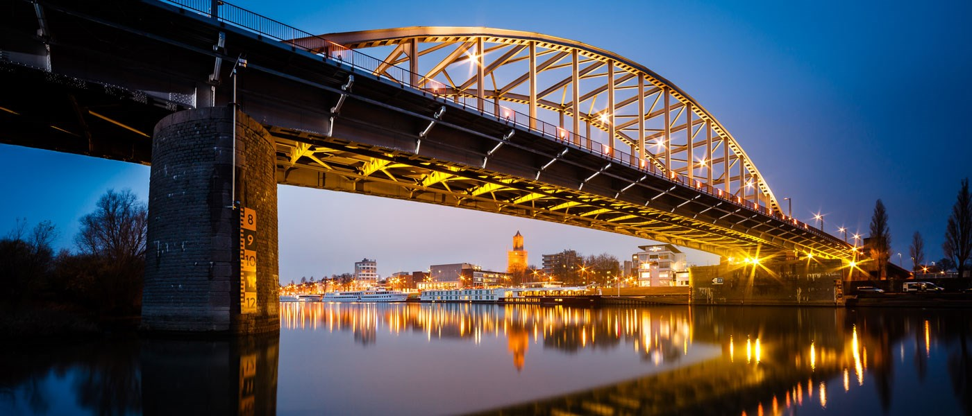 arnhem bridge by night Slide home desktop